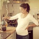 Da li piti čaj u trudnoći: od peršuna, nane, koprive, matičnjaka