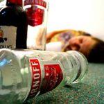 Simptomi trovanja alkoholom, prva pomoć i lečenje
