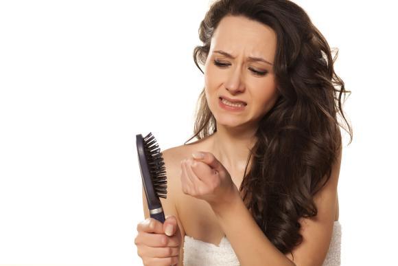 opadanje kose kod zena