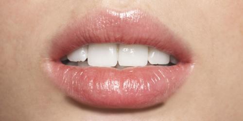 Trnjenje Usne Usana Mogući Uzroci Dijeta Plus